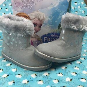 Disney Frozen Gray Faux Fur Top Boots